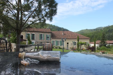 Bed and Breakfast im Piemonte Italy - Grognardo - Aamiaismajoitus