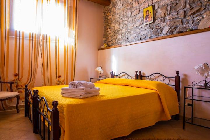 Bivano affacciato sul castello - Caccamo - Bed & Breakfast