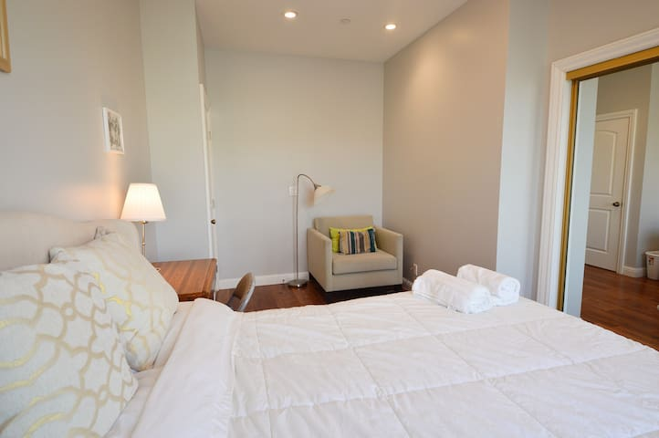 5931 - Gorgeous Light and Airy Bedroom