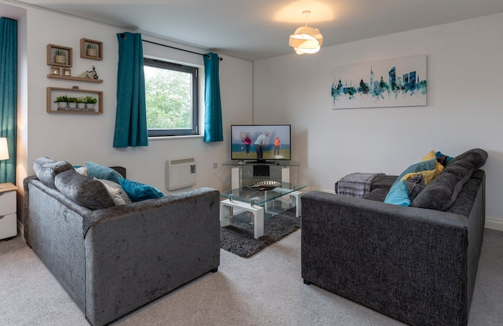 Spacious Homely Apartment - Business or Holiday