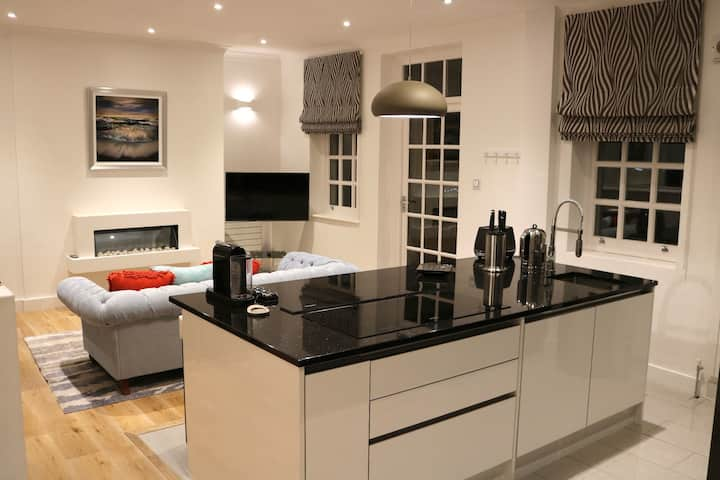 Lea House. Luxury, fully serviced  accommodation.