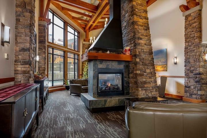 Mountain Spirit 3 Bedroom Ski Hill View Suite 202
