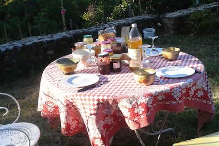 Chambres d'hôtes écolos du Truchet - Bed & Breakfast