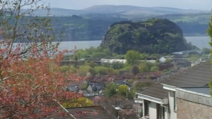 Dumbarton Home With A View Close To Loch Lomond