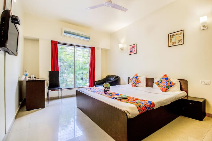 Deluxe Stay Rooms Hotel in Aundh