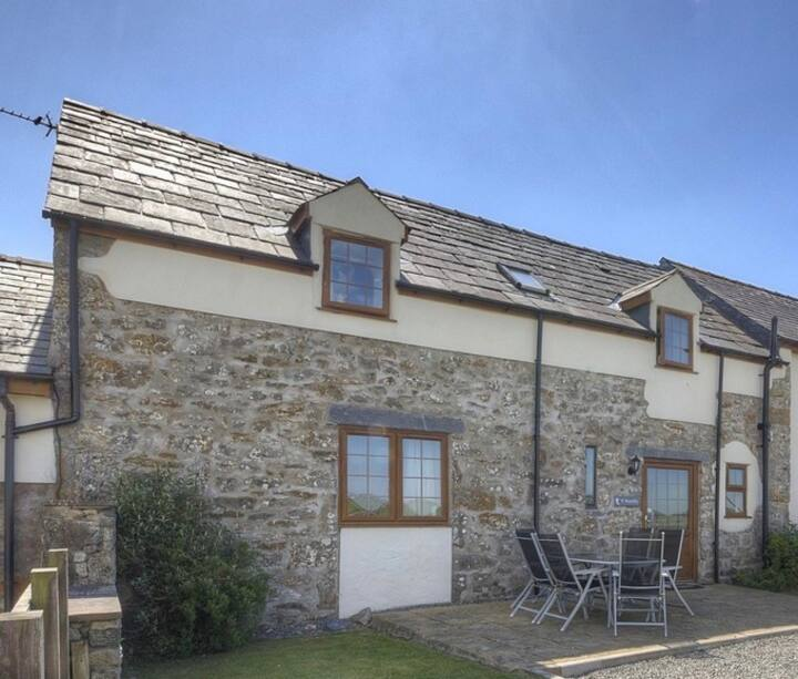 Yr Wyddfa - spacious Family Cottage on Anglesey
