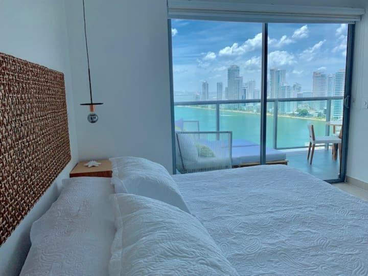 Spectacular 19th Floor Condo with 1 Bedroom