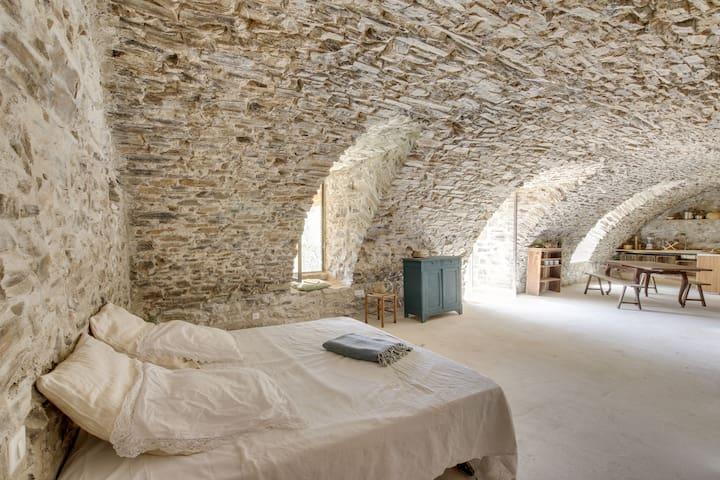Loft de charme, terrasses vue sur les Cévennes