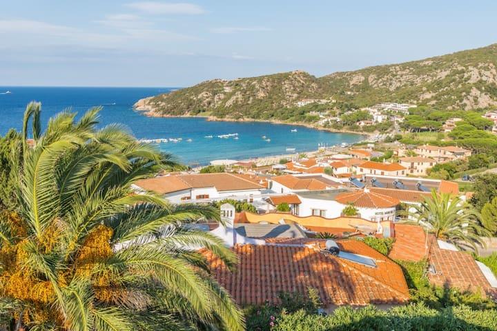 Bella villa vista mare a Baia Sardinia Porto Cervo