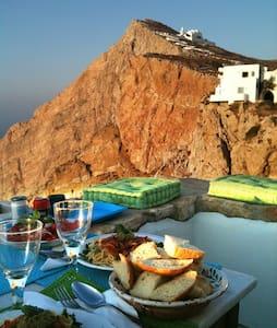 Folegandros-Cliffhouse - Folegandros