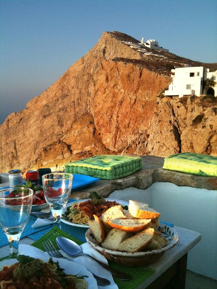 Folegandros-Cliffhouse