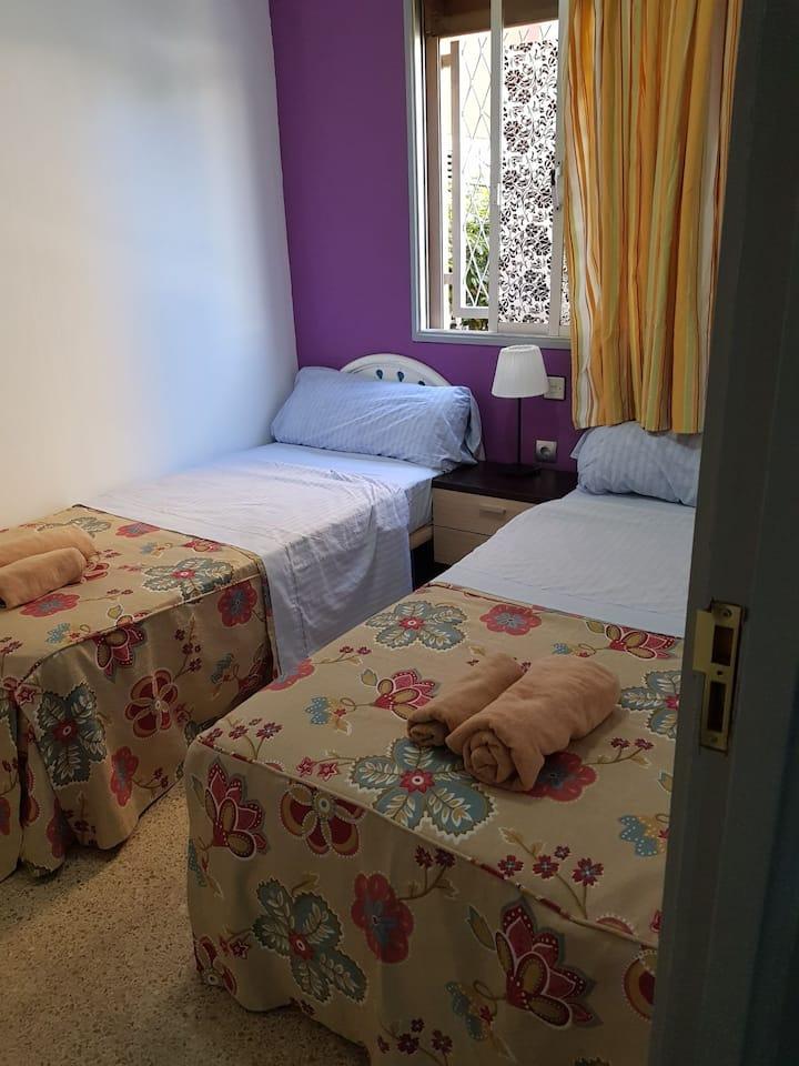 Room 3 Playa ingles wifi free.la llaves