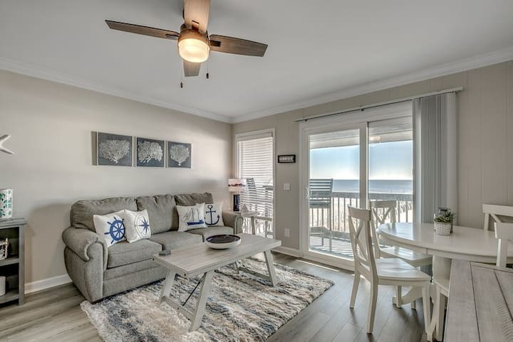 Sea Cabin - oceanfront condo -NMB/Cherry Grove