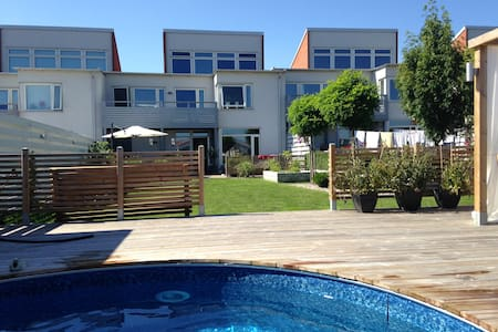 Large house with pool for family! - Ystad