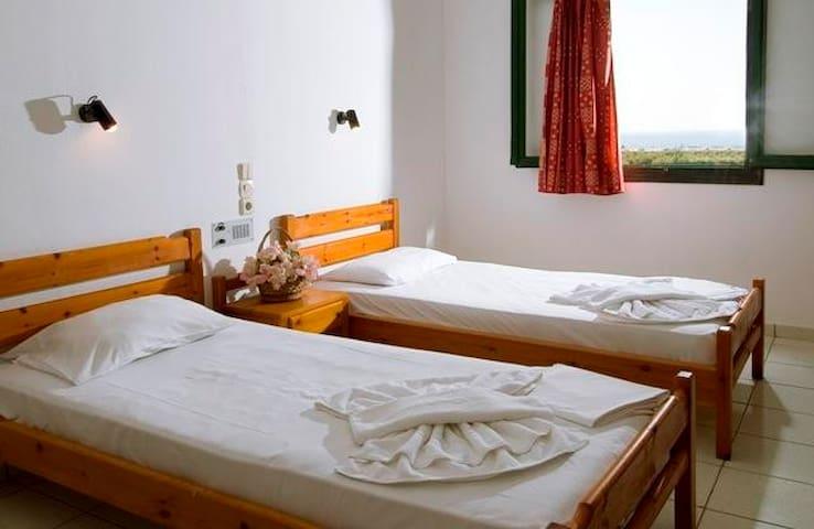 Kritikos Asteras - Analipsi - Bed & Breakfast