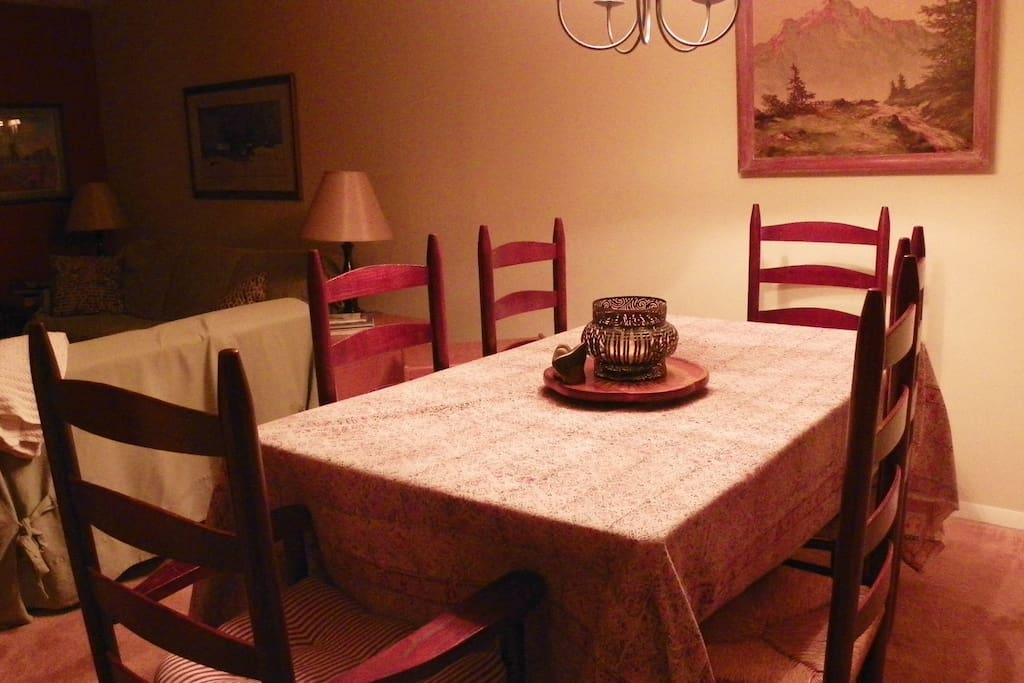 Plenty of seating at the Dining Table in Waterville Valley Condo