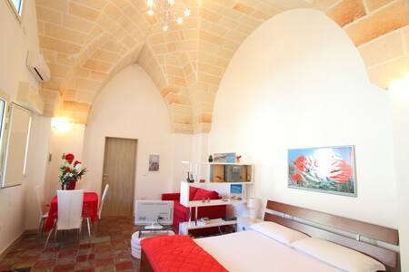 Appartamento Scirocco con giardino - Manduria - Apartemen