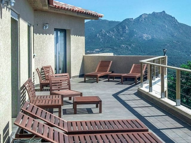 Vue Exceptionnelle Mer & Montagne - Propriano - House