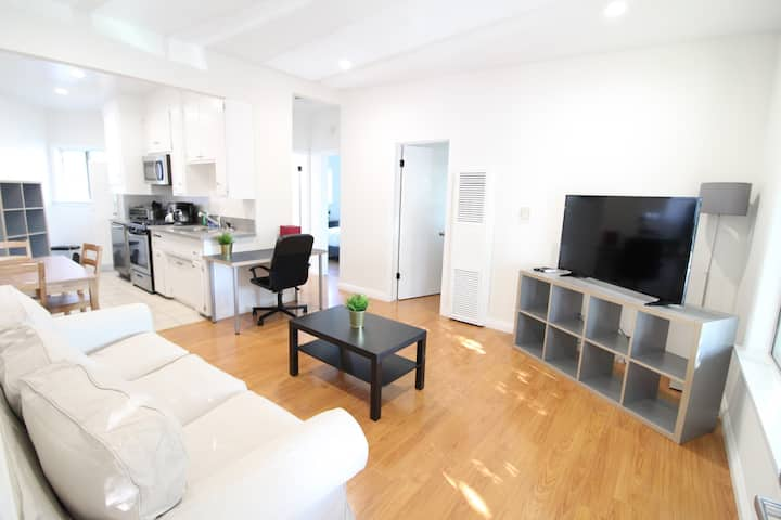 Spacious Upper 2BD in Mar Vista. Newly Renovated!!