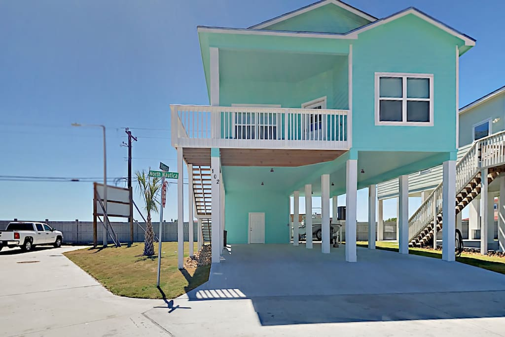 This brand new Rockport home awaits for your vacation