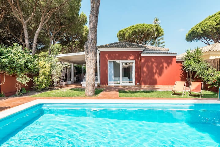 Modern Villa Short Walk from Beach with Pool, Terrace, Garden & Wi-Fi; One Parking Spot Available