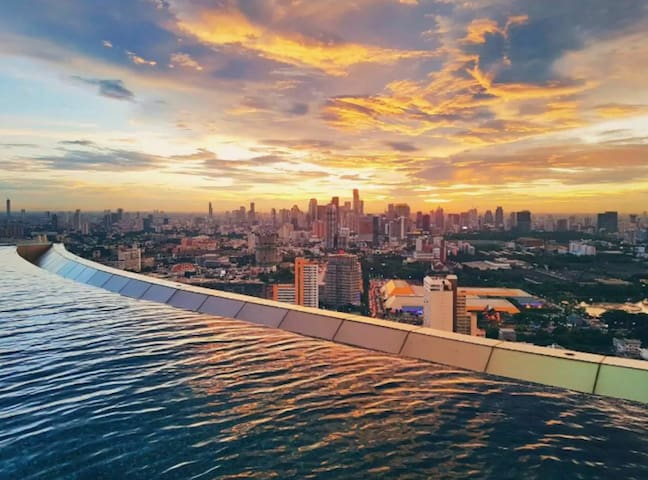 Luxury room Best Sky Pool Sukhumvit 24  BTS
