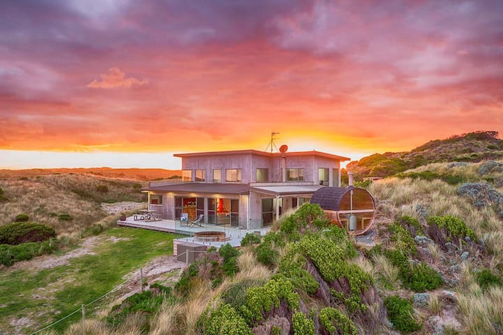 Porky Beach Retreat - King Island Escapes