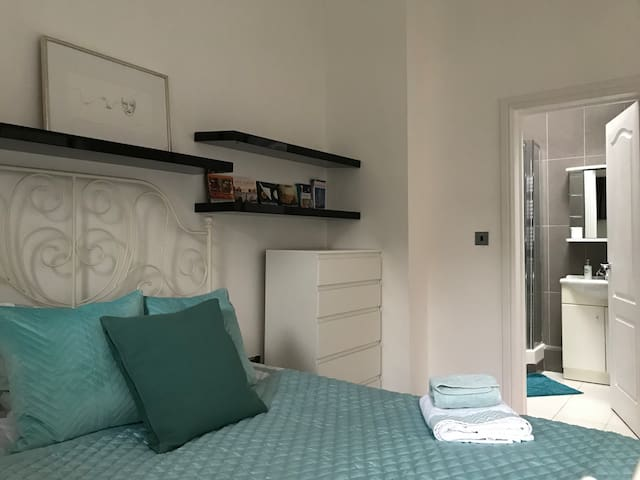 Lovely ensuite room in Central London/Marylebone