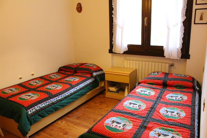Camera con 2 letti al primo piano