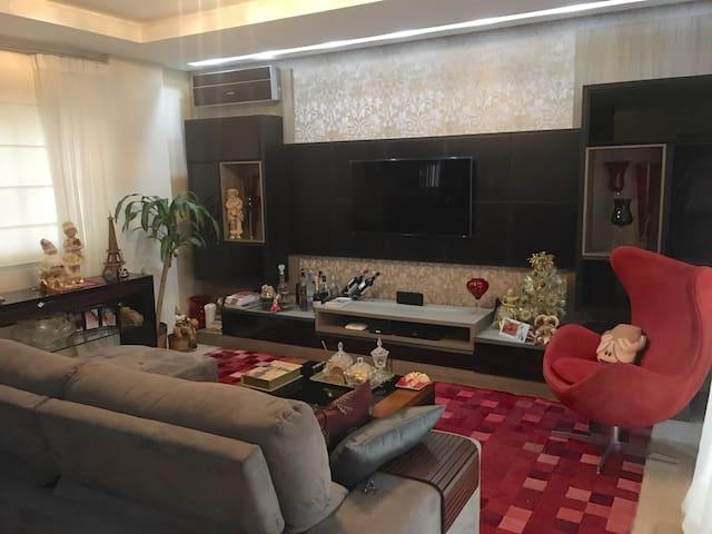 Casa Luxo 100% Climatizada - Itapema - Rumah