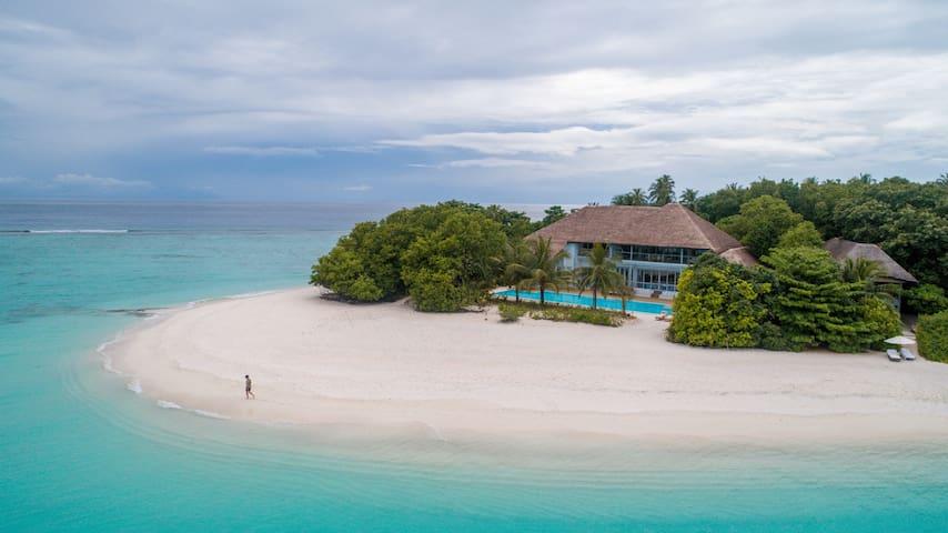 Three bedroom Beach Villa with Private Pool