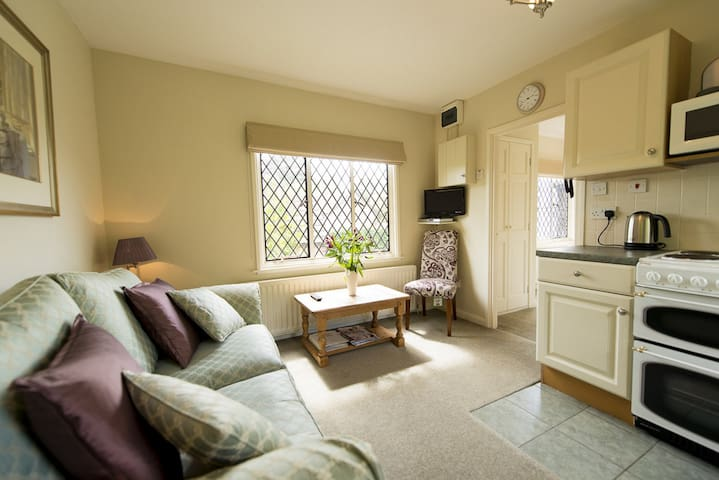 The Pack Horse, Wisteria apartment, Somerset