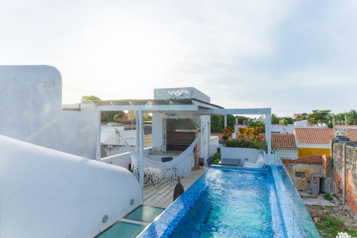 LUXE Boutique Villa Lucia Glass Pool by NOMAD GURU
