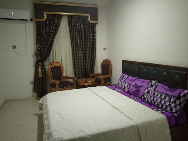 Gastan Apartment &exotic rooms&top notch services.