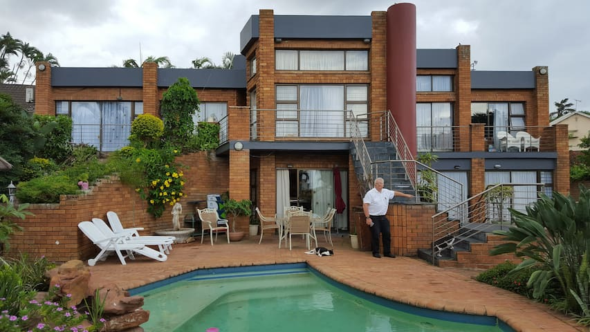 Andre's Place self catering flat 1 - Umhlanga - House
