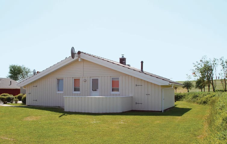 Holiday cottage with 3 bedrooms on 86m² in Friedrichskoog