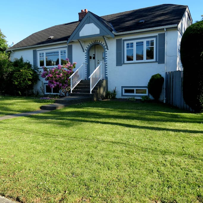 Near royal jubilee hospital and camosun college case in for Cabine in affitto a victoria bc