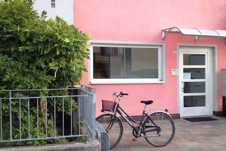 CASA ROSA pratico, zona centro + garage e giardino - Pergine Valsugana - Hus