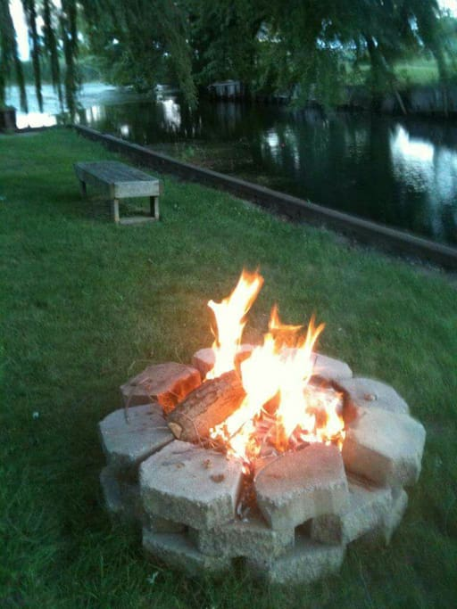 Enjoy roasting some marshmallows or hot dogs in the fire pit.
