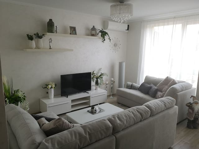 'White pearl' new, luxury and cozy appartment