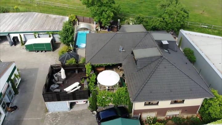 """""""Villa Fiori""""  in Wallau--Ruhige Feldrandlage"""