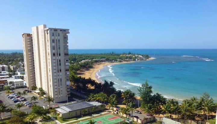 Beachfront condo -Luquillo