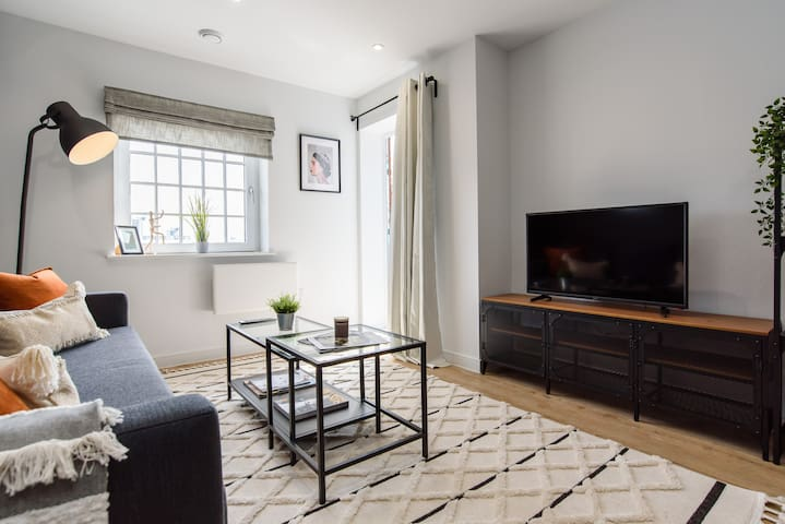 Central 1 bed sleeping up to 4