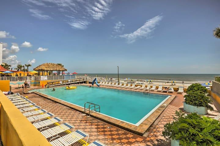 NEW! Oceanfront Daytona Beach Studio-Walk to Pier!