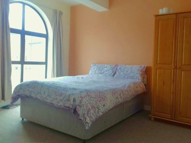 BUDGET DOUBLE ROOM, LOWER MAIN STREET, LETTERKENNY