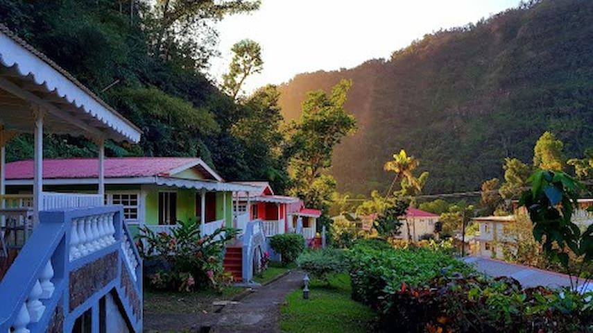 Chez Ophelia Cottages