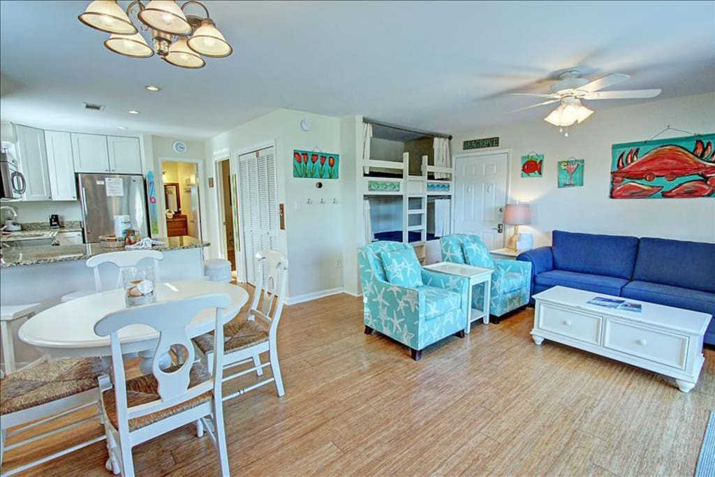 Beachy Living and Dining Room