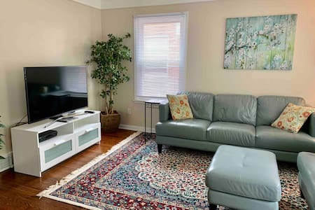 3 Bedrooms in West Dearborn! Everything You Need!