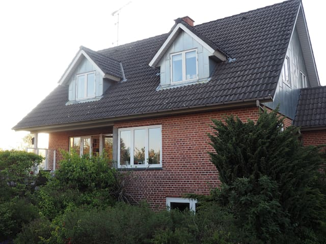 Spacious villa close to Copenhagen - Hellerup - Villa