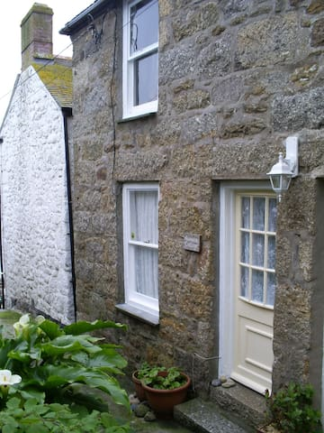 Mousehole. Cosy and only 30 yards from the beach. - Mousehole - Appartement